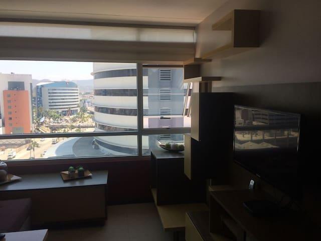 Suite amoblada Elite Building cerca Aeropuerto - Guayaquil - Lejlighed