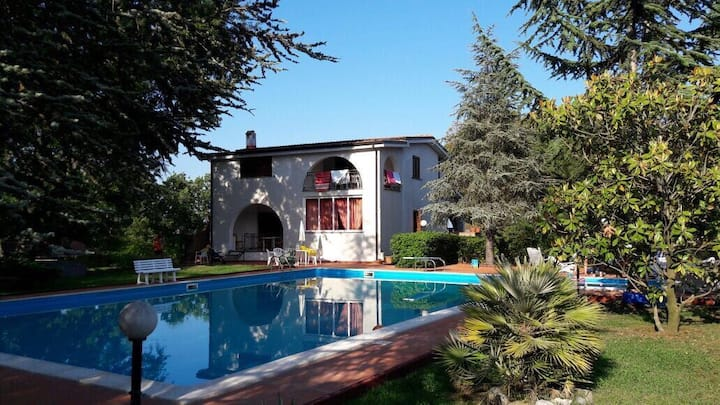 Relaxing South Italian Villa