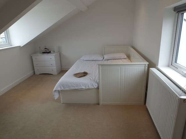 Private room and bathroom by the sea - North Shields - Casa