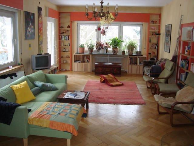 Großzügiges Haus m.Garten im Grünen - Berlin - Hus