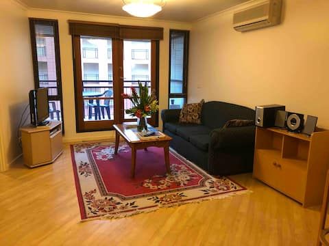 1 bed Apartment Canberra City