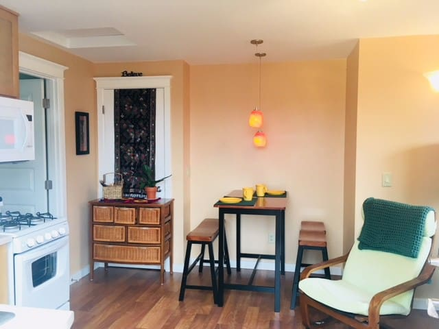 Upriver Town Suite