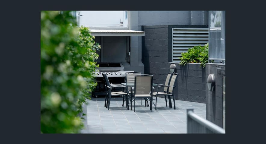 Heart of Brisbane with decent city view - Bowen Hills - Apartment