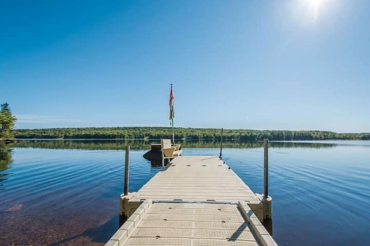 Birchwood On The Lake (15 min from Martock)