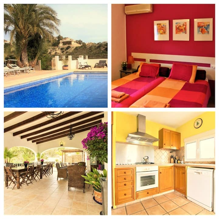 Charming house with Pool ideal for large families