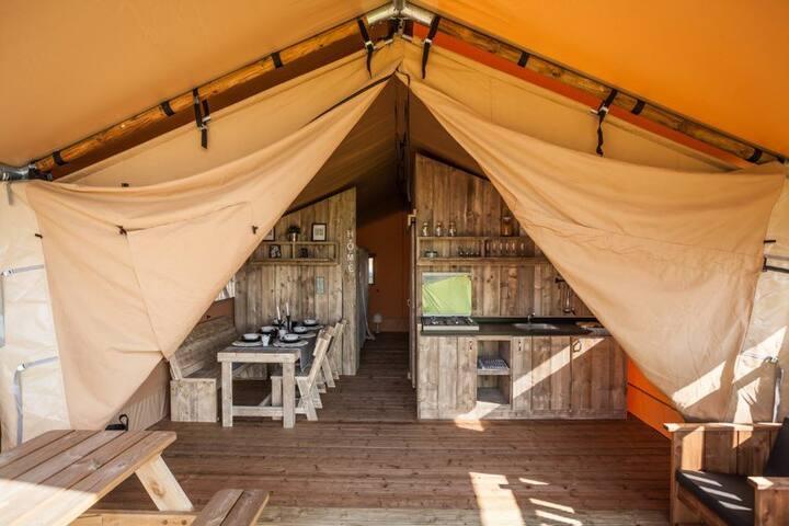 Séjour en famille en Tente Lodge dans le Gers