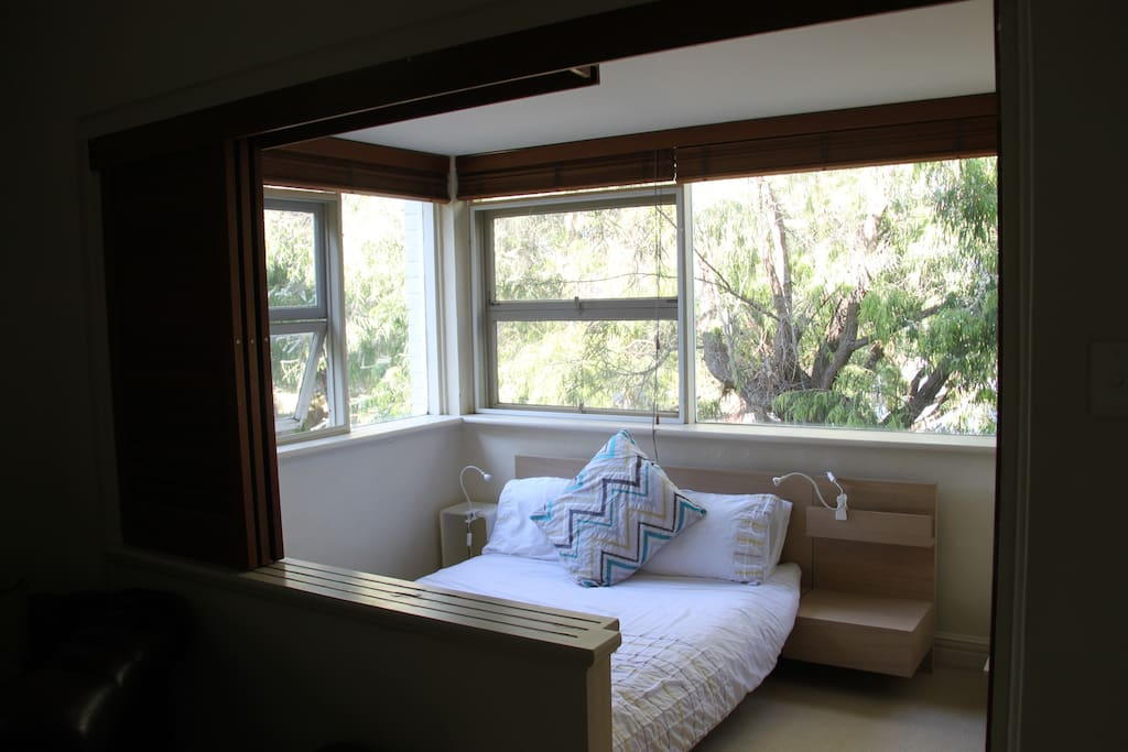"the 2nd bedroom has lots of light and a ""tree-house"" feel"