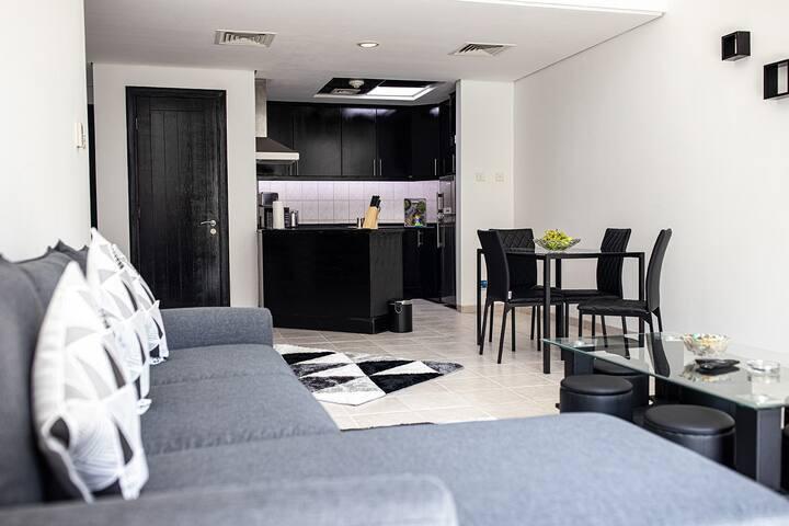 Luxury One Bedroom Apartment @DG (6)