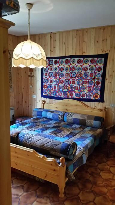 Interno - Camera da letto primo piano