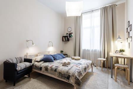 Best deal! Spacious apartment on Nevsky prospect - Sankt-Peterburg - Appartement