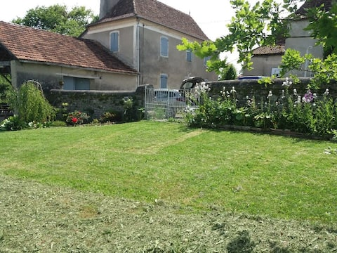 "Location campagne nature ""Maison pocq"""