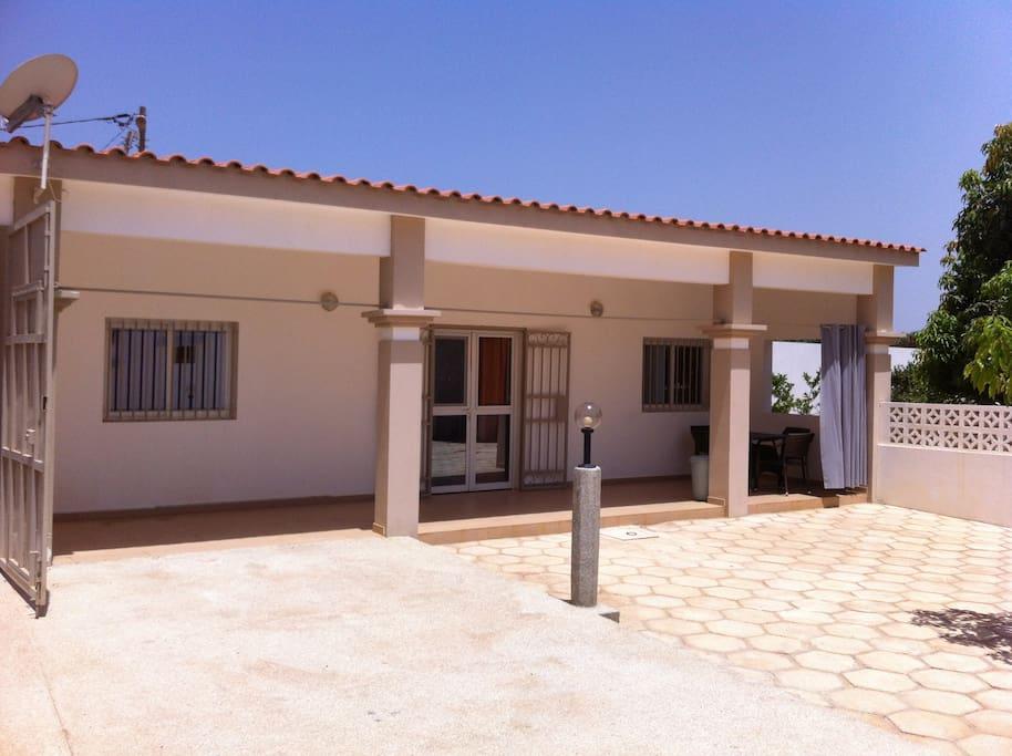 L'appartement individuel à louer et sa terrasse