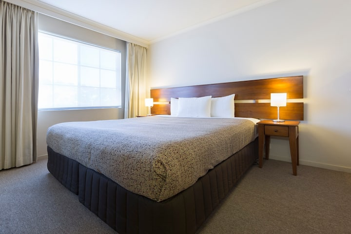 2BD Parklands Central (No cleaning Fee) free Wi-Fi