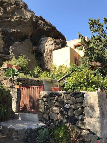 Beautiful Villa in the Rock