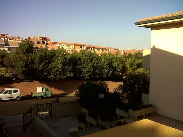 Vista dal balcone verso il paese con campanile