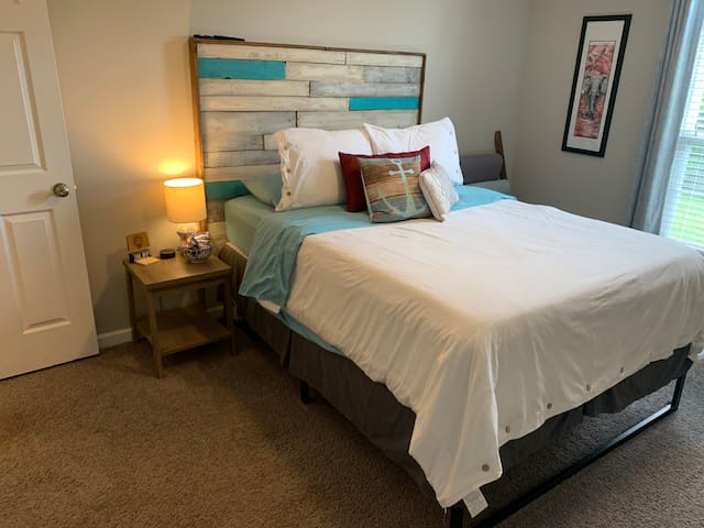 Private Bedroom and Bath Downtown Chattanooga