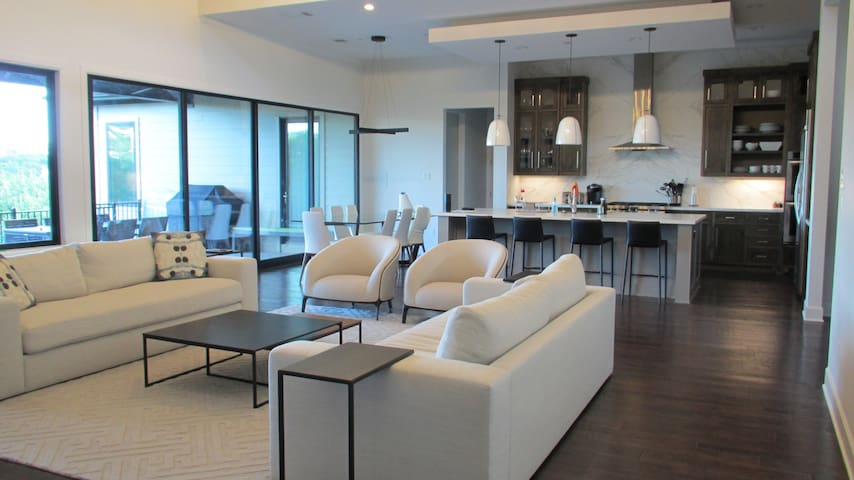 Luxurious Modern 5BR Hill Country Home With A View - Austin - House