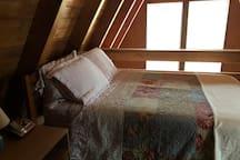 Loft bedroom (full)