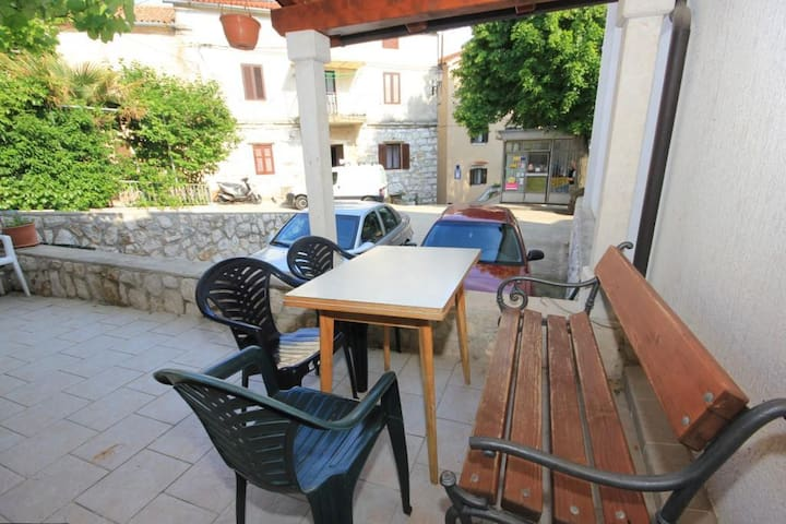 One bedroom apartment with terrace Brseč (Opatija) (A-7755-b)