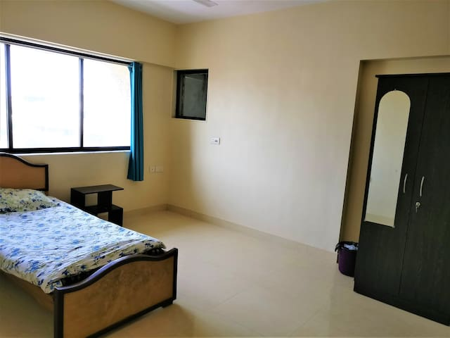 One room in a spacious 3BHK near Worli seaface