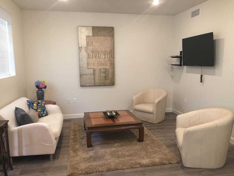Fully Furnished 2bd 2bath Apt Free Parking Wifi Apartments For Rent In Los