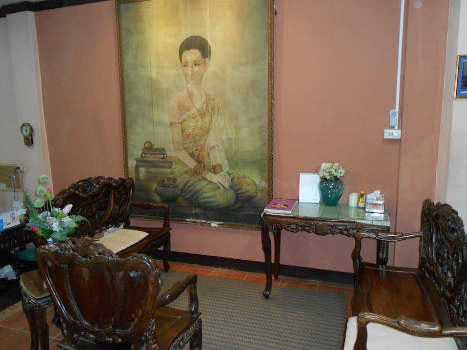 Beautiful art work and antique.