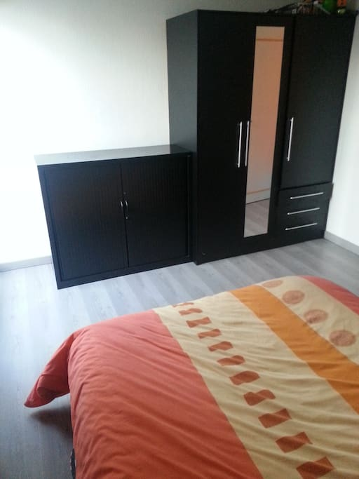location chambre nantes beaujoire apartments for rent in nantes pays de la loire france. Black Bedroom Furniture Sets. Home Design Ideas