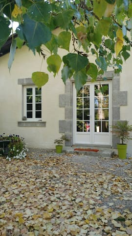Spacious & Cosy Gîte, swimming pool - Tonneins - Haus