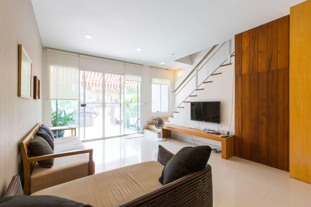 Cozy Living room at 1st floor.