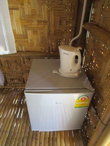 fridge & electric kettle