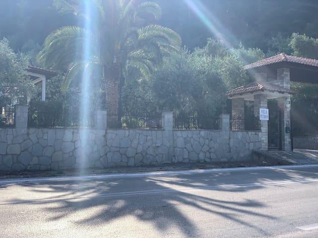 Villa Petros 1.Etage (200m2) eigener Zugang