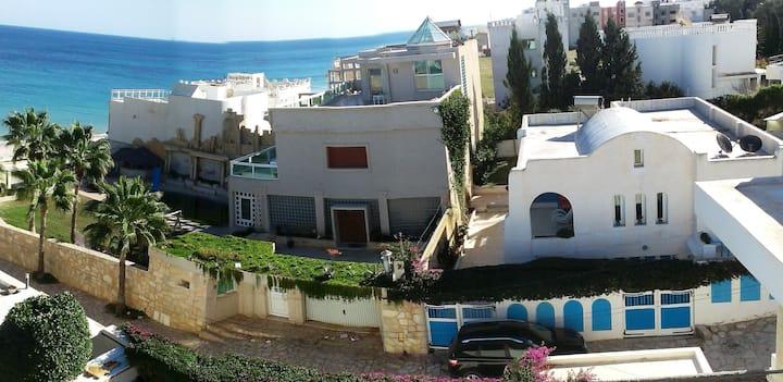 Villa Azaiiza first floor 30 metres off the beach