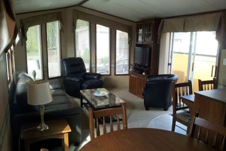 Sherkston Cottage Rental - Very Close to the Beach - Port Colborne