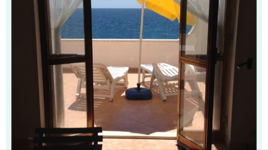 Villa Nicole fronte mare a Punta Prosciutto