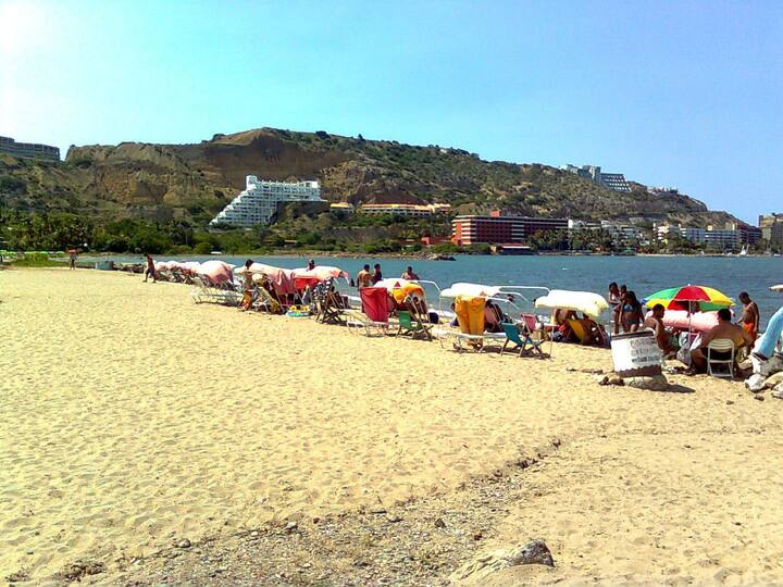 Lecheria's beach, 5 minutes of the sea!!!