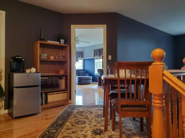 Memphremagog Views-Luxurious 4BR/3BA Guest Suite