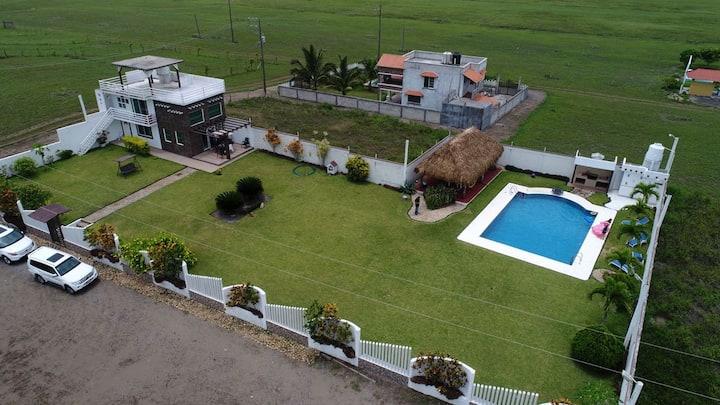 Bonita Casa con Alberca/Jardin, en Costa Esmeralda