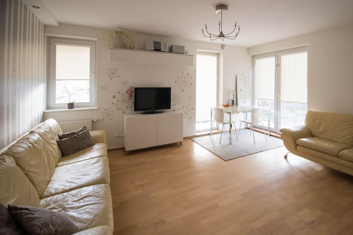 Beautiful well lit Apartment - Gdańsk - Daire