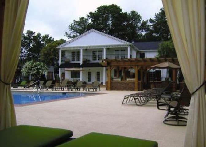Palisades Pool Villa - Atlanta - Byt