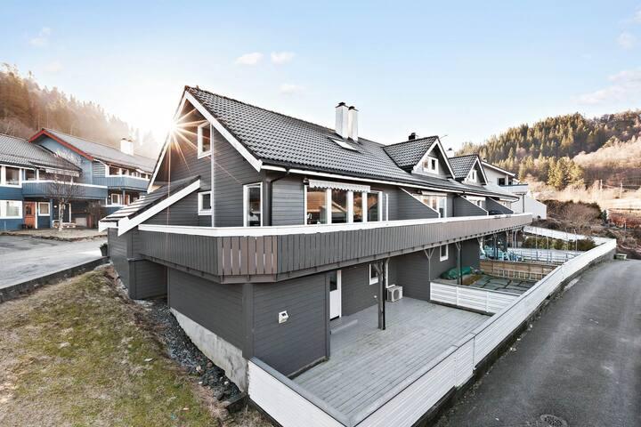 Helt rekkehus til leie i nærheten av Bergen