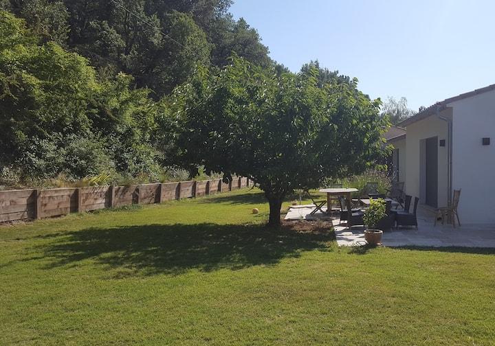 Villa contemporaine 160m2 piscine et jardin 1000m2