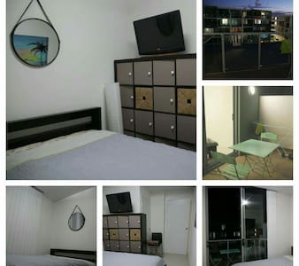 Double bed room in clear appartment - Botany, New South Wales, AU