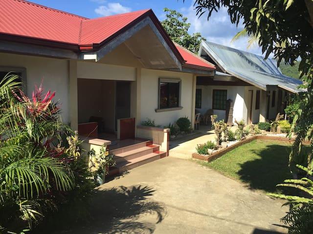 EL DIORAN VILLA CARAMOAN GUESTHOUSE - Caramoan - Rumah Tamu