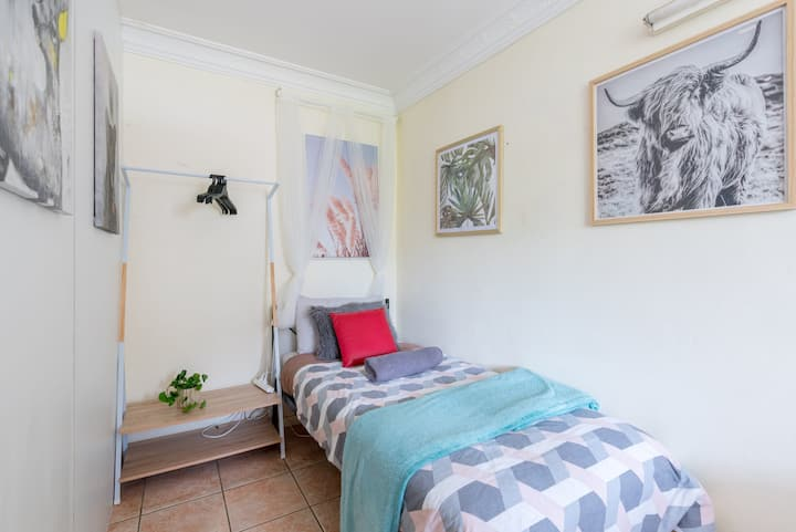 Boutique Private Room In Kingsford Near UNSW, Light Railway&Bus