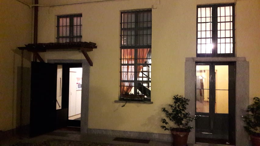 Studio on two floors 400m from Duomo