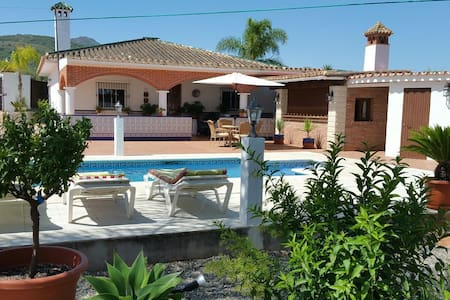 Spanish villa with a private pool - Coín