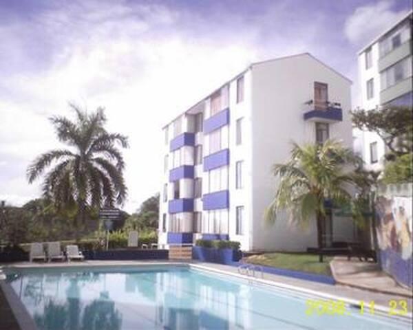 Melgar, bello Apartamento en conjunto con piscina
