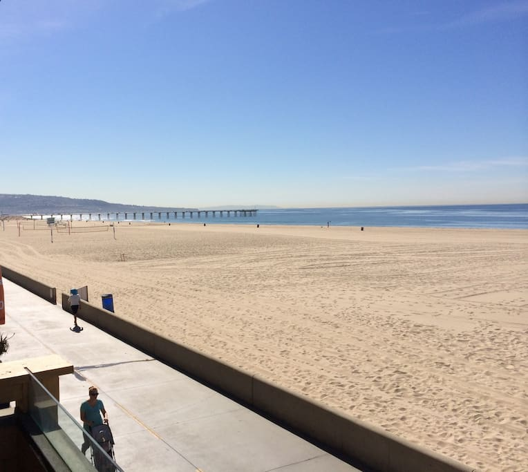 Southern view to the HB Pier from the 2nd fl balcony