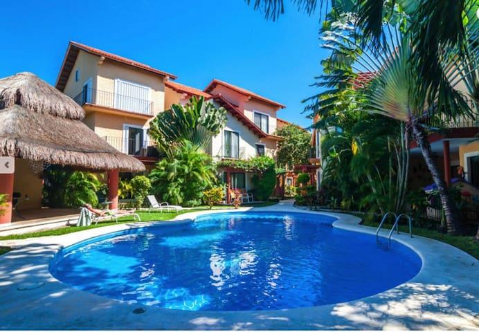 Modern Playacar Villa/ Pool/ Walk to Beach - Плайя-дель-Кармен - Дом