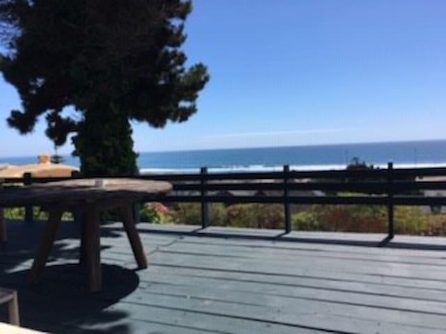 Acogedora casa con increíble vista al mar